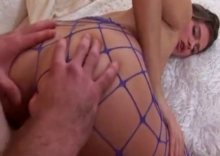 Fishnets-loving cutie destroyed by her dad